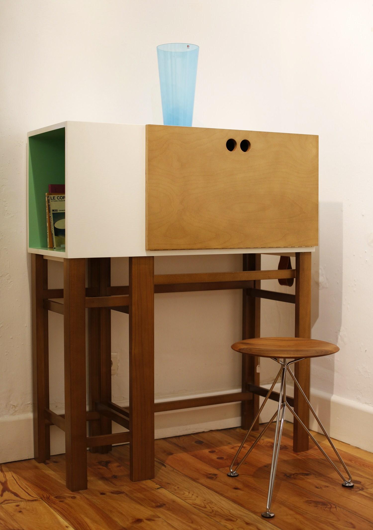 Espacio Brut Y Holz57 Studio Mobiliario Atemporal Y El Dise O  # Muebles Para Nivel Inicial